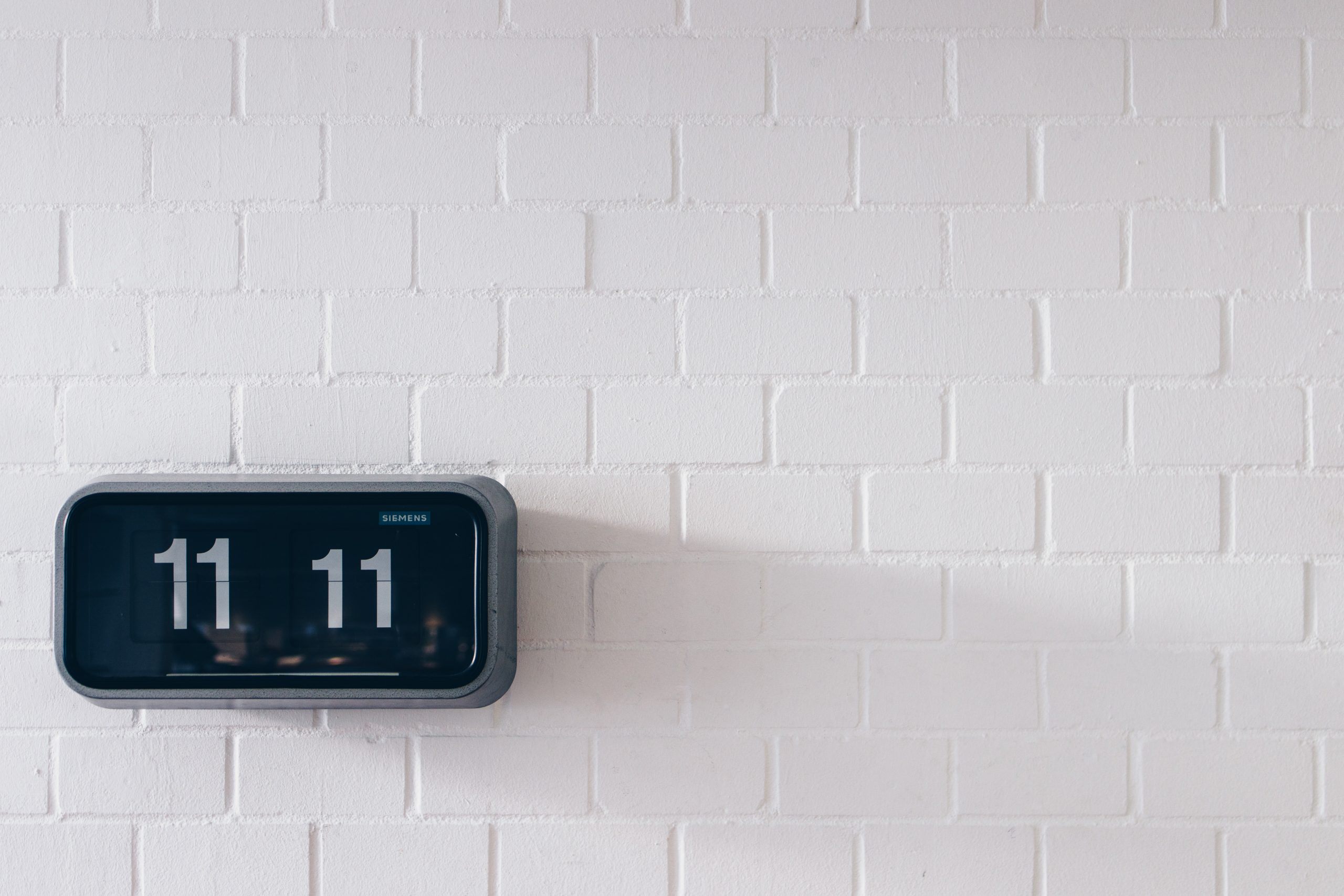 a clock showing time to depict how activation marketers can use software .